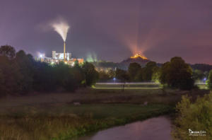 Zuckerfabrik Warburg bei Nacht