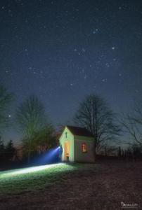 Kapelle im Sternenlicht