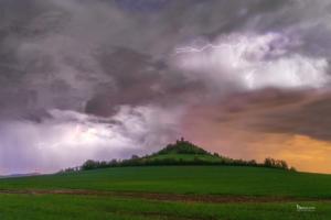 Blitz und Donner über dem Desenberg